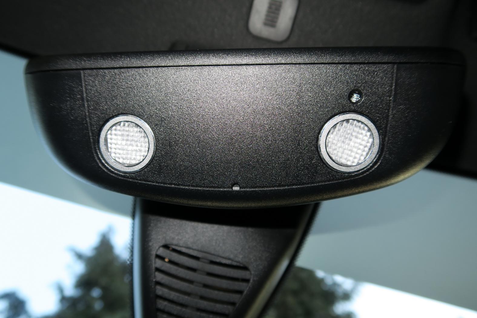 170312-Mercedes-A200d-Anneau-retroviseur.jpeg