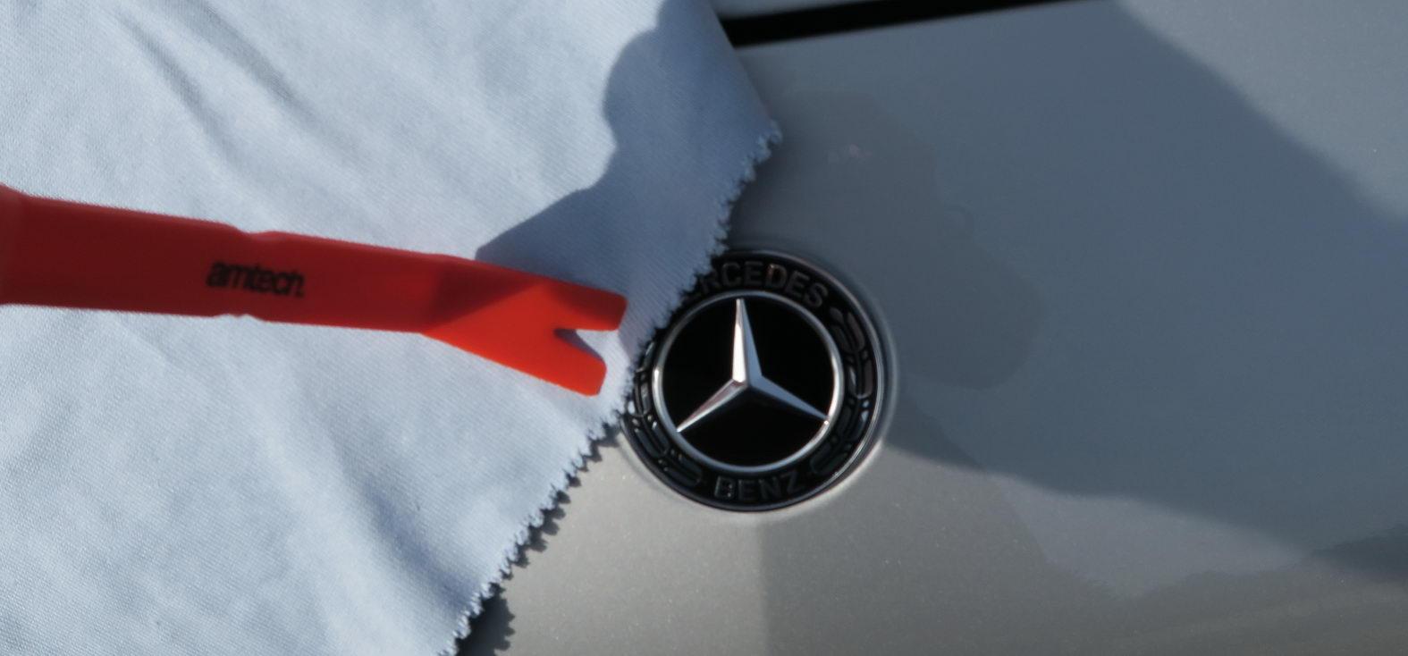 170921-Mercedes-A200d--Logo-01.jpg