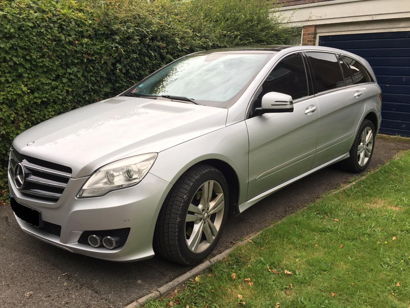 Mercedes-Classe-R-grise.jpeg