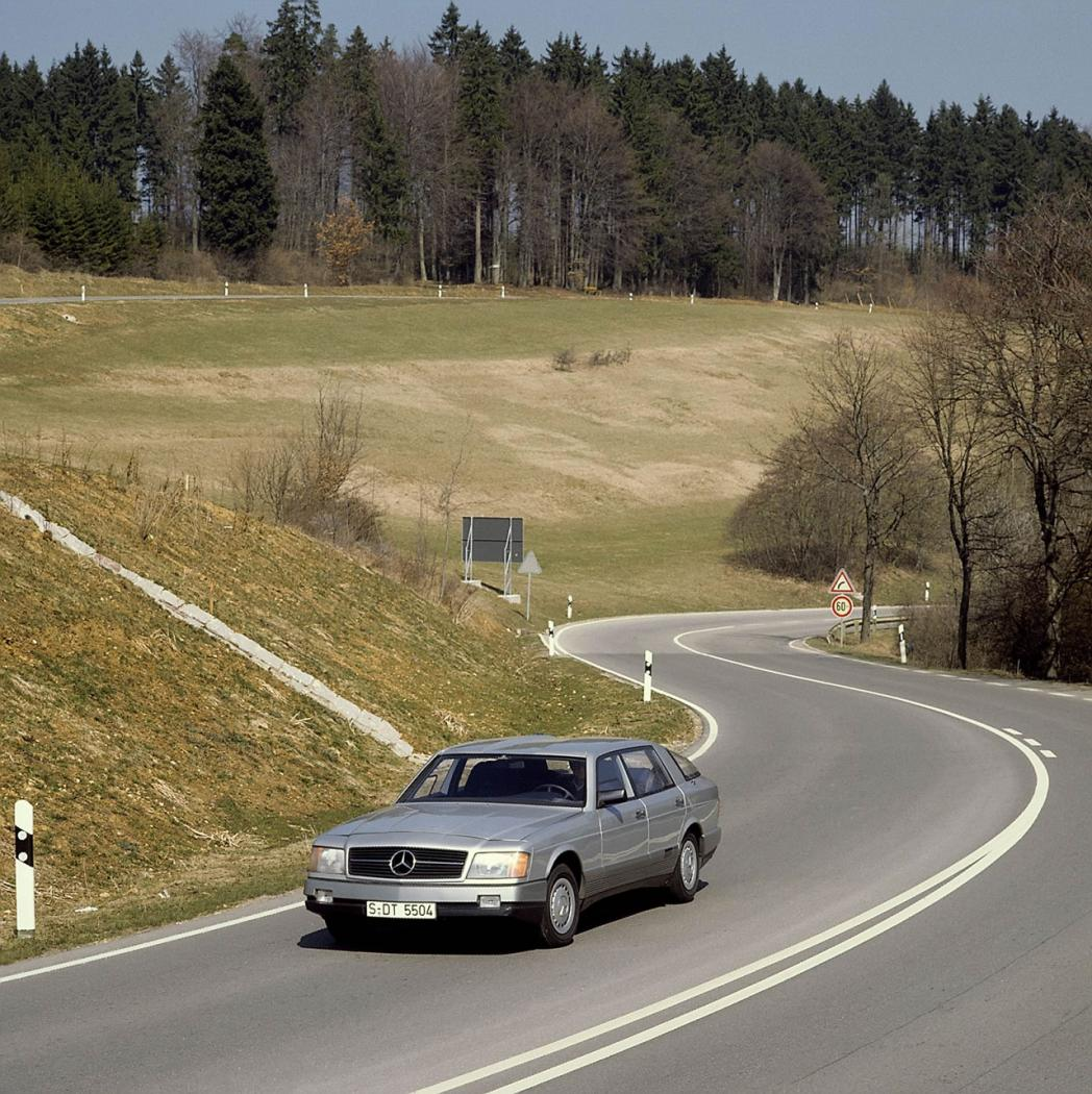 MercedesAuto2000Researchcar1.jpeg