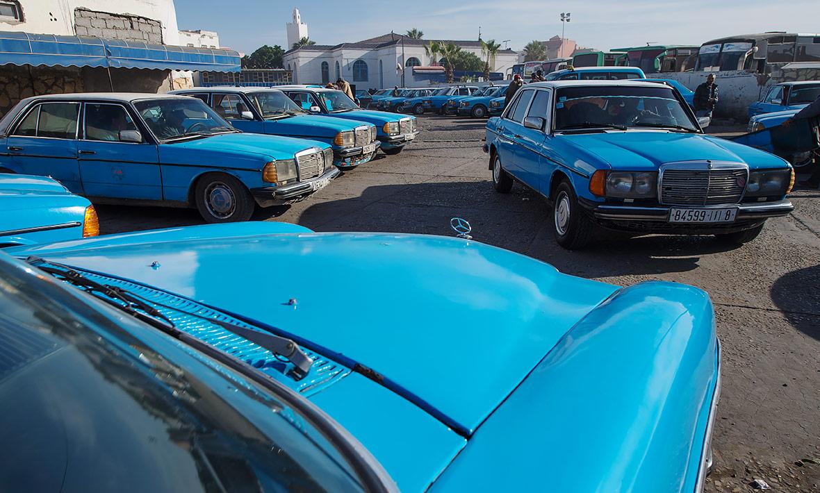 11-taxi-240d-w115-essaouira.jpg