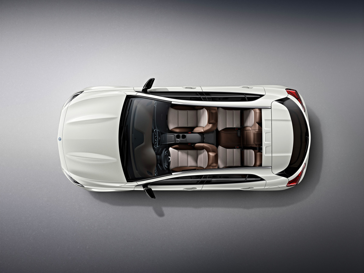 4-mercedes-benz-gla-edition-1-blanc-cirrus-2013.jpg
