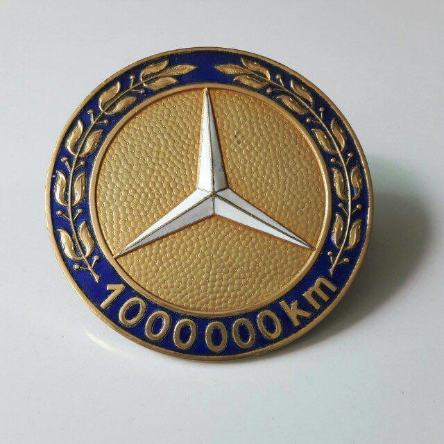 mercedes-badge-kilometrage-eleve.jpg