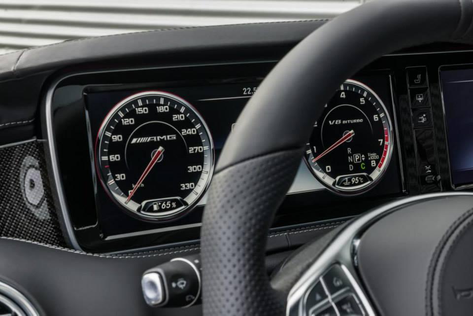 tableau-de-bord-s63-amg-coupe.jpg