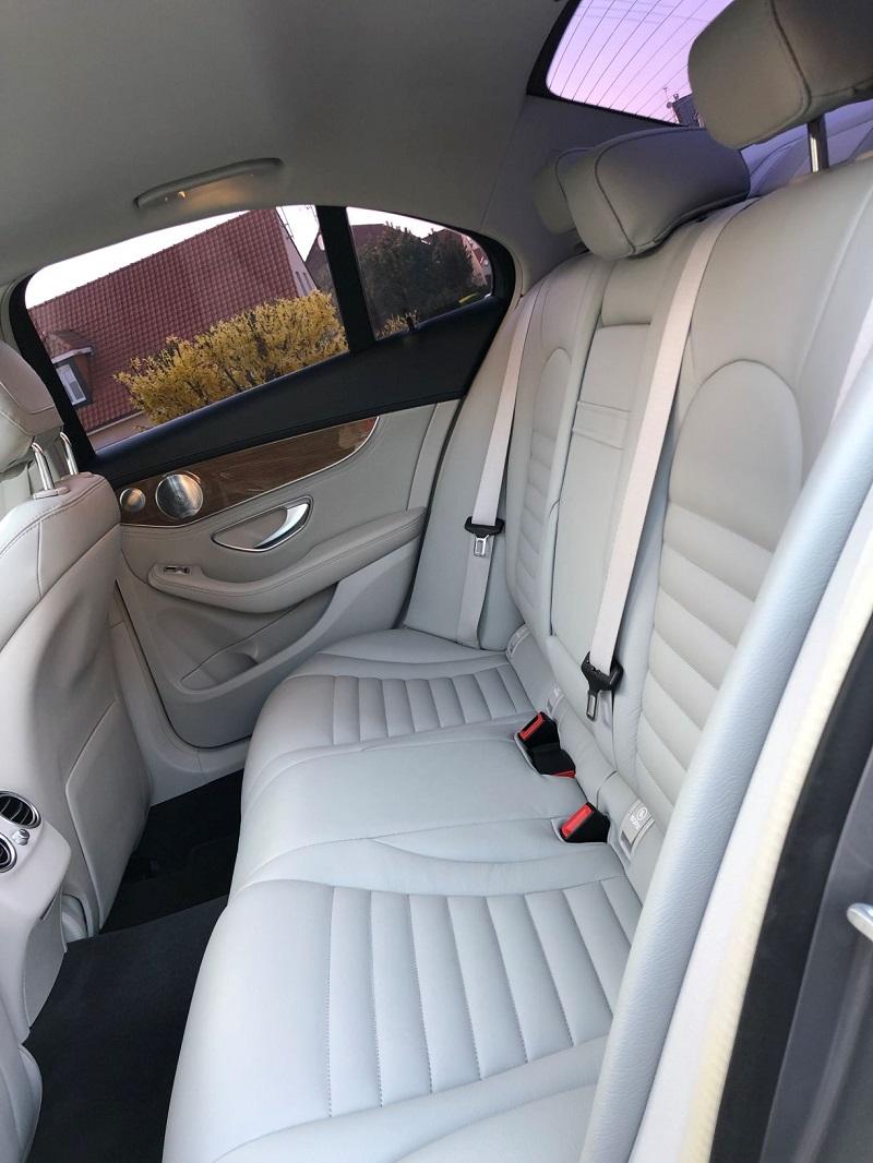 photo-forum-mercedes-interieur-back-seat.jpg