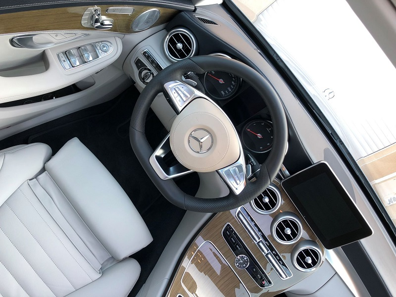 photo-forum-mercedes-interieur-dashboard.jpg