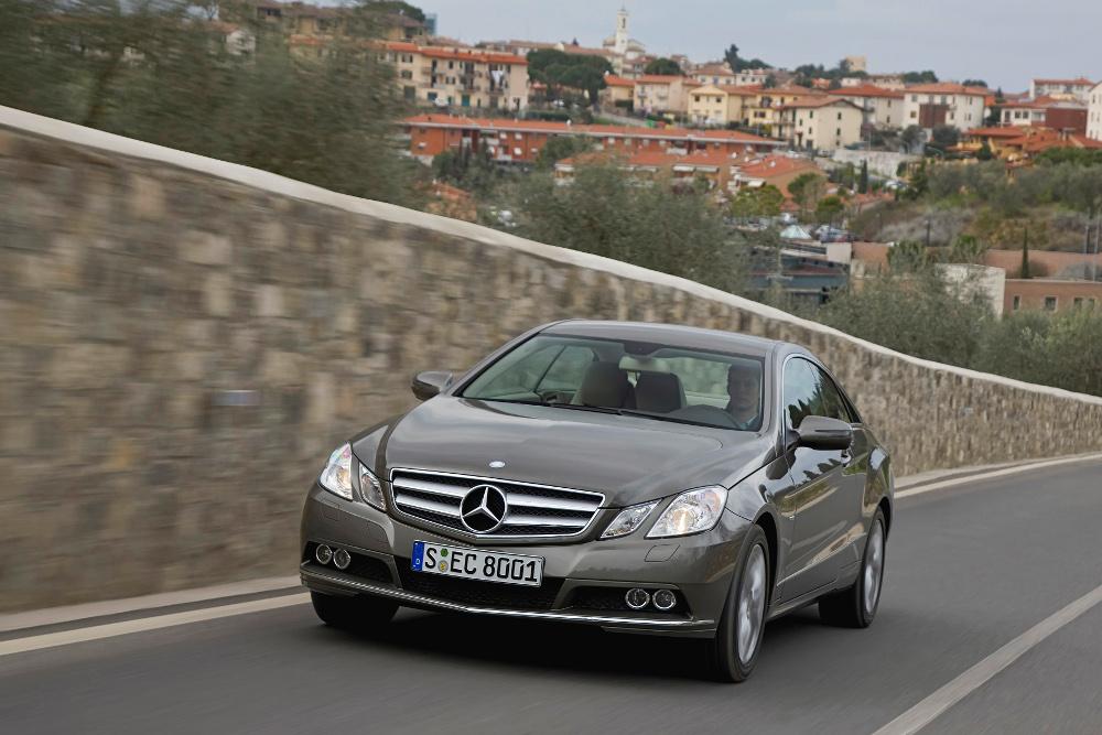 1-classe-e-coupe-c207-photos.jpg