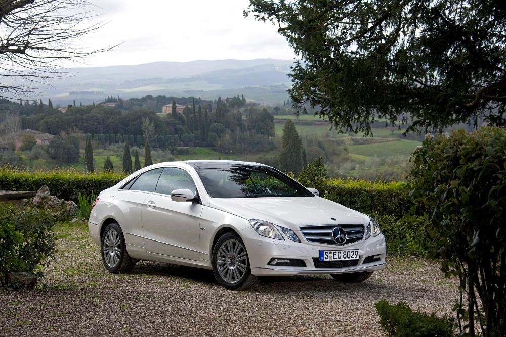 10-classe-e-coupe-c207-photos.jpg