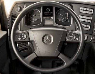 47-volant-cuir-multifonction-new-actros-963.jpg