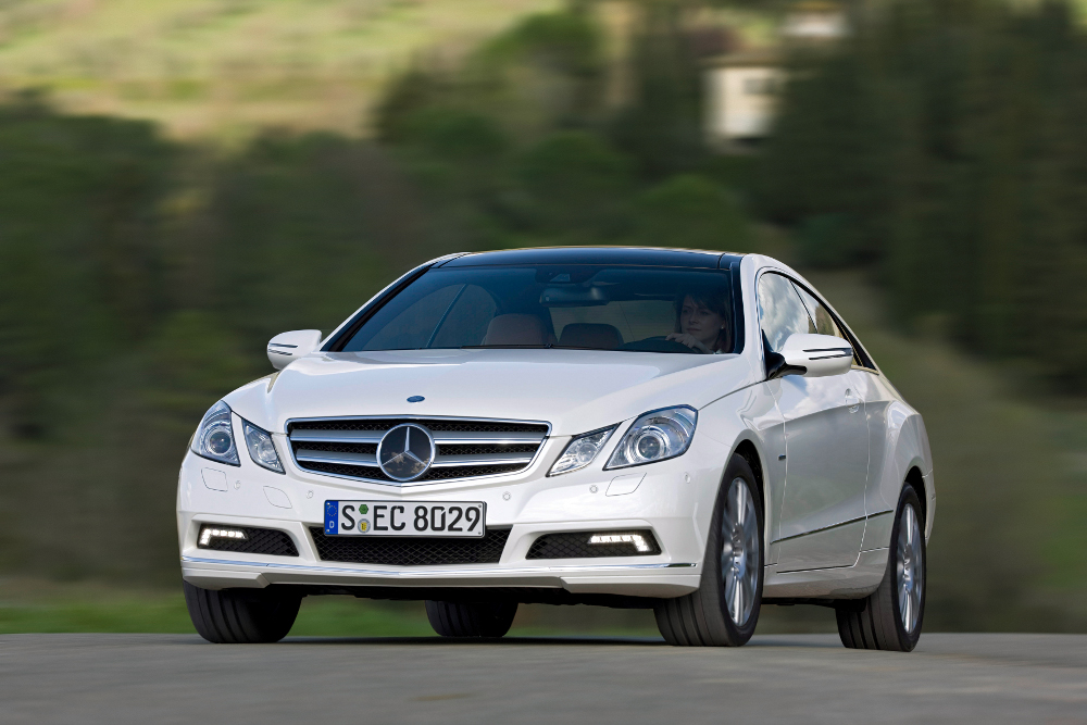 5-classe-e-coupe-c207-photos.jpg