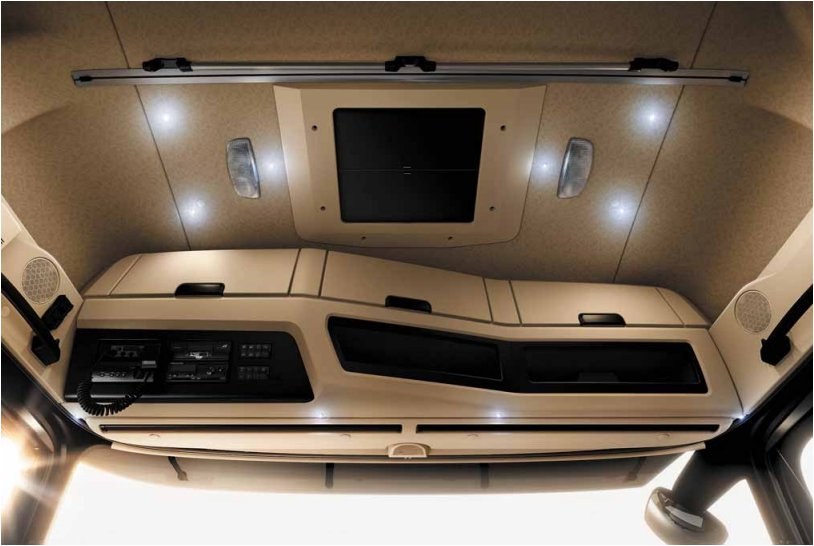 60-eclairage-interieur-ambiance-new-actros-963.jpg