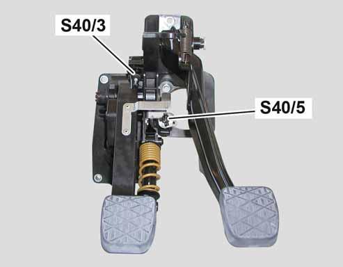 75-contacteur-pedale-embrayage-classe-a-w169-et-b-w245.jpg