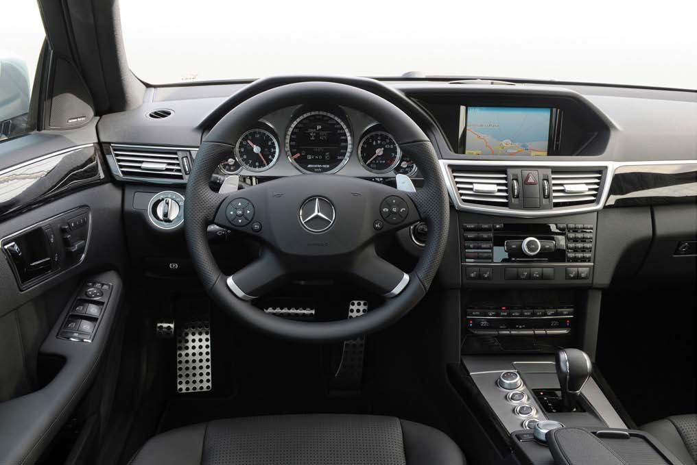 classe e 63 amg w212 int rieur page 1 classe e w212 forum. Black Bedroom Furniture Sets. Home Design Ideas