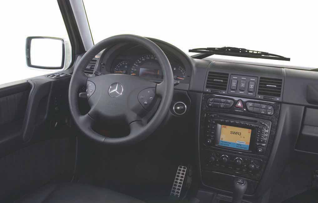 8-mercedes-classe-g-463-design-interieur.jpg