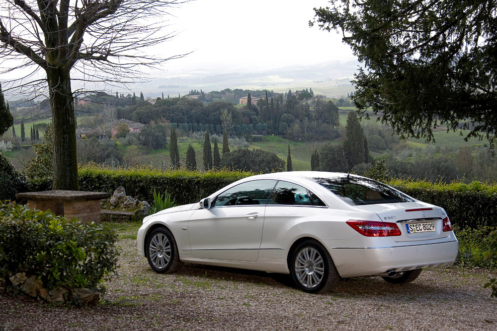 9-classe-e-coupe-c207-photos.jpg