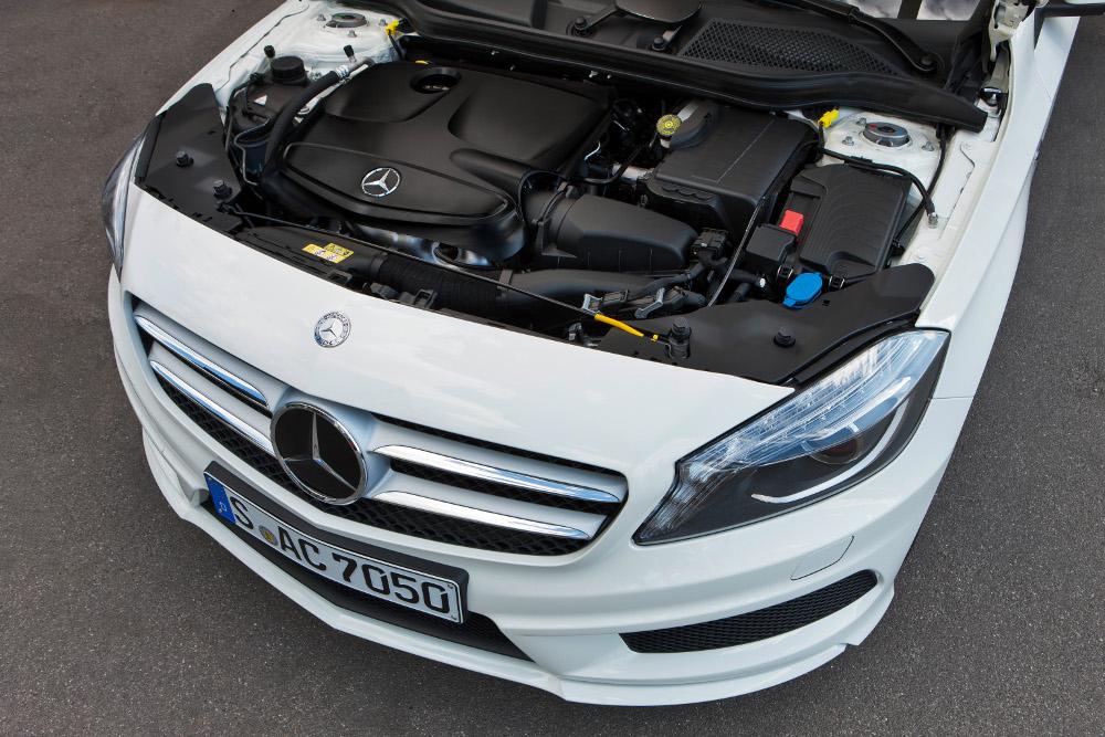 9-motorisation-essence-m270-classe-a-w176.jpg