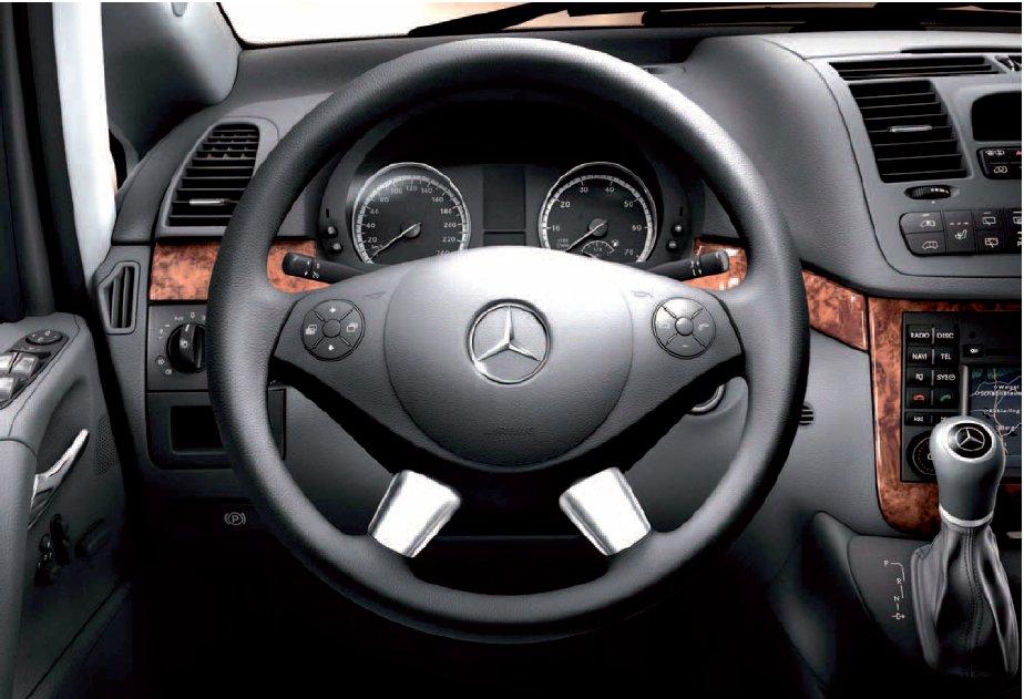 9-vito-viano-639-volant-multifonction-et-levier-de-vitesses.jpg