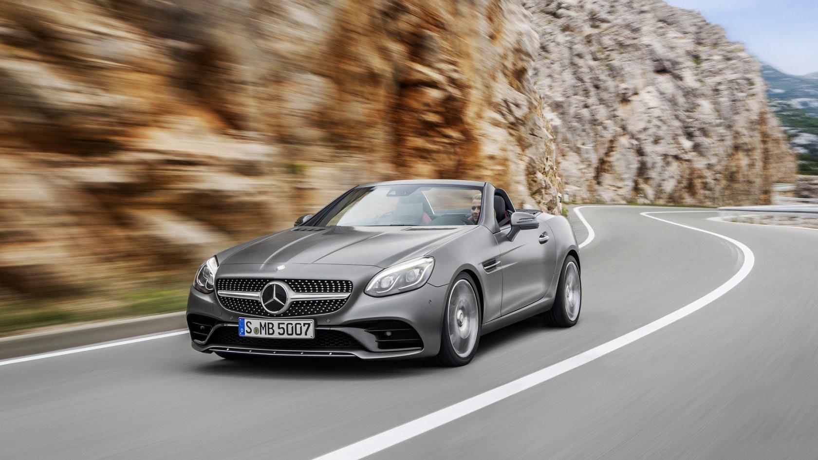 Mercedes-SLC-sur-route.jpeg
