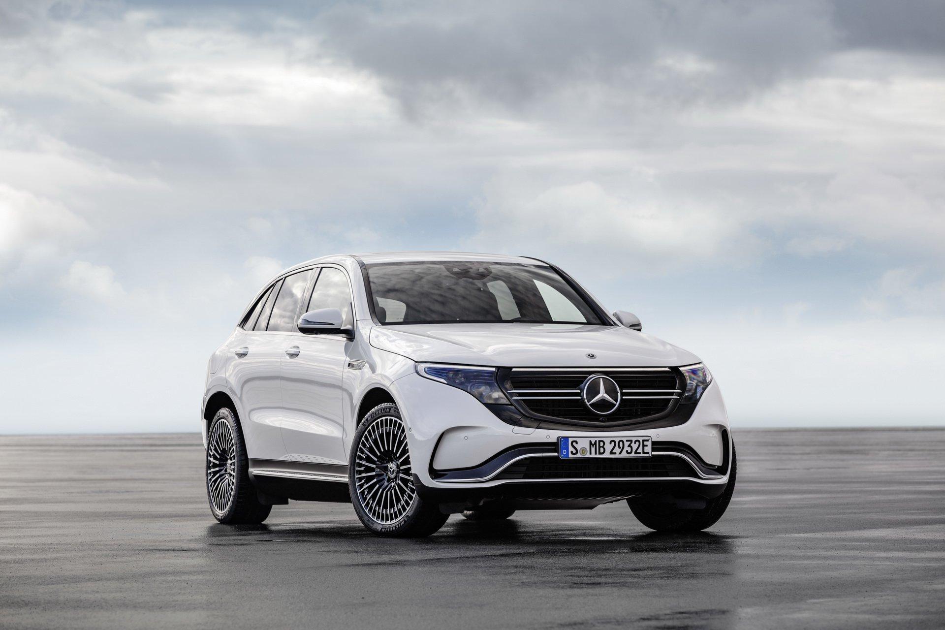 nouveau-Mercedes-Benz-EQC-2.jpg