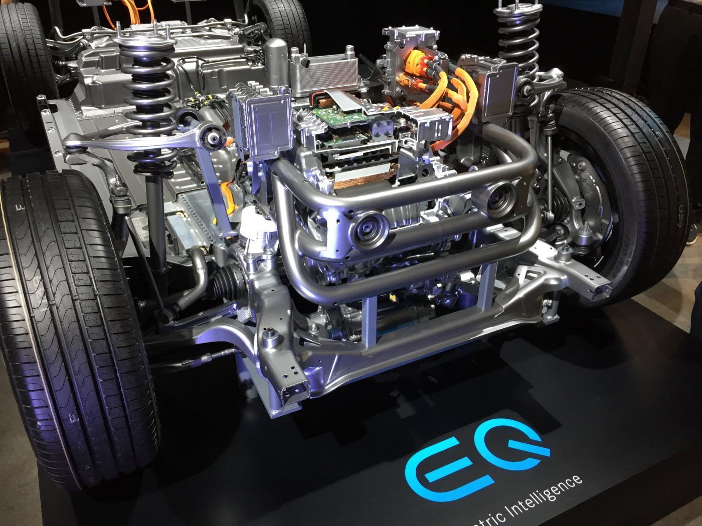 nouveau-Mercedes-Benz-EQC-8.jpeg