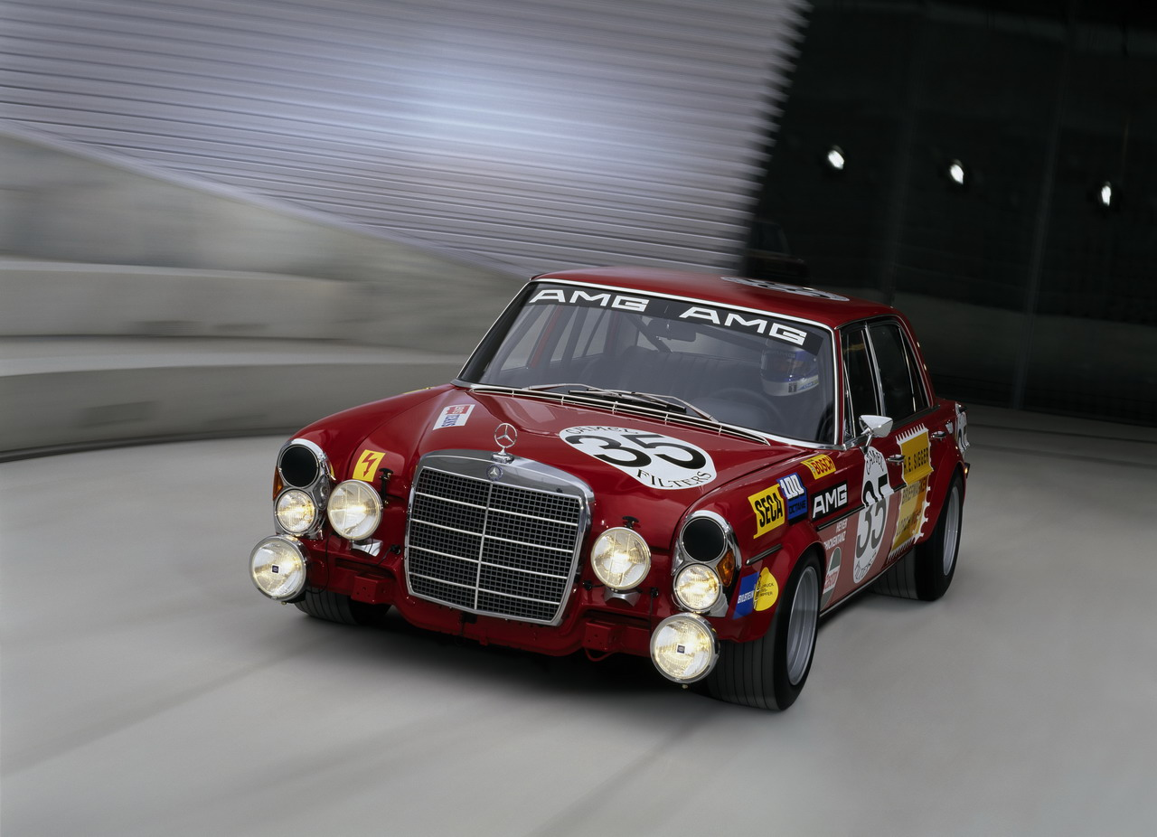 1971Mercedes-Benz300SEL6_8AMG5.jpg