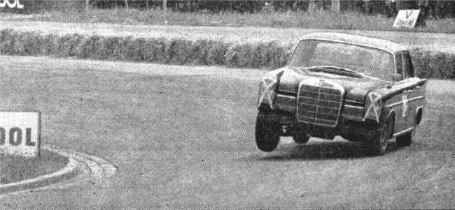 Mercedes-300-SE-Manfred-Schiek-2.jpg